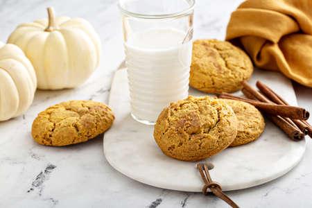 Pumpkin snickerdoodle cookies with cinnamon and milk