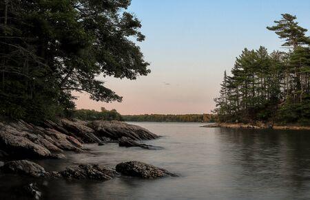 Wolfe Neck State Park, Freeport, Maine on the summer evening before sunset 版權商用圖片