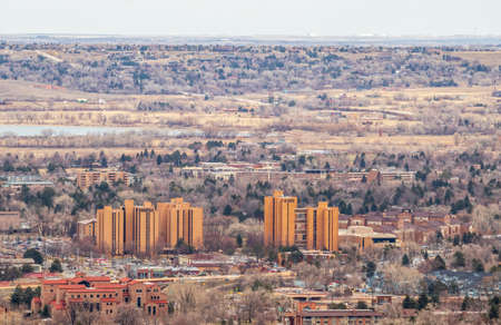 Aerial view of Boulder, Colorado, from Panorama Point in Boulder mountain park Standard-Bild