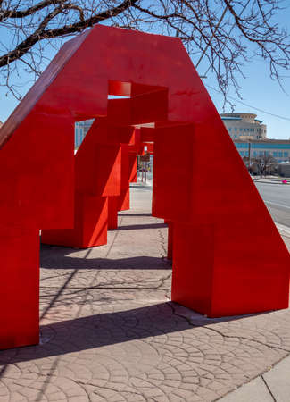Albuquerque, New Mexico - April 4, 2021: Abstract sculpture in downtown Albuquerque 版權商用圖片