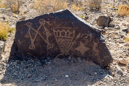Ancient Native American Rock Art in Petroglyph National Monument, Albuquerque, New Mexico 版權商用圖片
