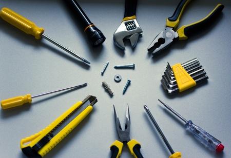 des outils communs de bricolage  équipement prises avec une faible profondeur de champ