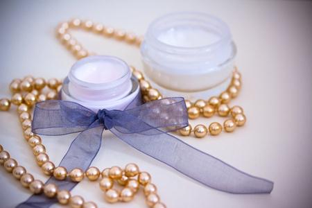 joyas de oro: ejemplo de productos de lujo de belleza spa, añadió viñeta