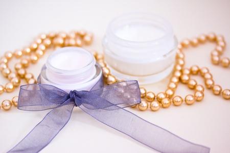 joyas de oro: ejemplo de productos de lujo de belleza spa Foto de archivo