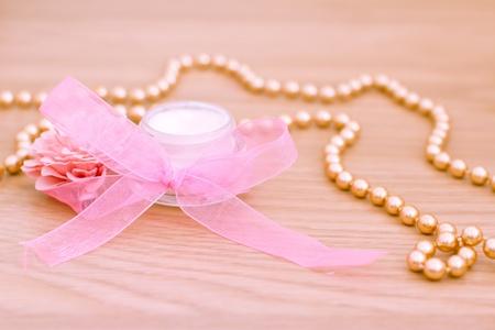joyas de oro: ejemplo de productos de belleza de lujo de spa