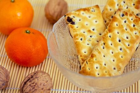 healthy snacks: healthy snack: apple and cookies