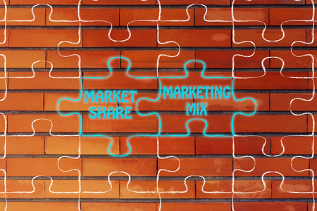 market share: matching jigsaw puzzle pieces metaphor: market share & marketing mix Stock Photo