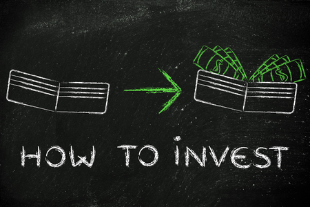 how to: how to invest: illustration with wallet going from empty to full of dollars Stock Photo