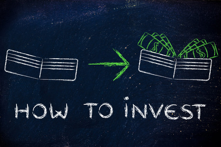 saving tips: how to invest: illustration with wallet going from empty to full of dollars Stock Photo
