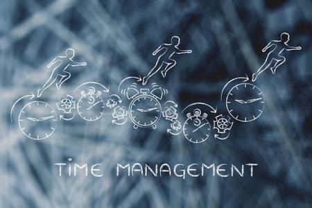 gestion del tiempo: gesti�n del tiempo: las personas que se ejecuta en los relojes, cron�metros, alarmas y ruedas dentadas Foto de archivo