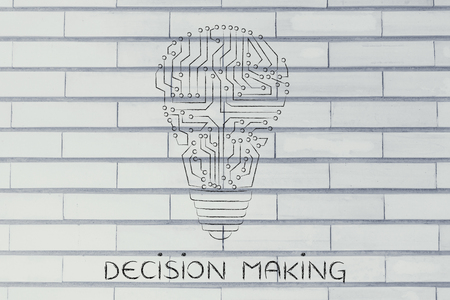 circuitos electronicos: decision making: electronic circuits creating the shape of a lightbulb Foto de archivo
