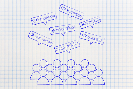 소셜 미디어 마케팅 및 영향 요인 개념을 팔로워의 군중과 함께 코멘트 아이콘으로 스톡 콘텐츠