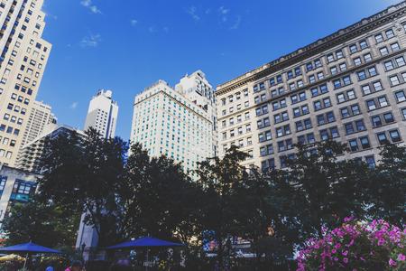 NEW YORK, NY - 3 settembre 2017: Particolare di Herald Square a Midtown Manhattan tra Broadway, la Sesta Avenue e la 34th Street occidentale Archivio Fotografico - 86777202