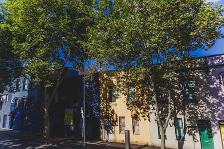 SYDNEY, AUSTRALIA - December 26th, 2014: residential buildings in the Sydney CBD area Banque d'images - 111319200