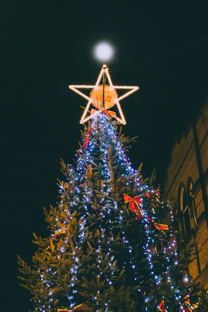 DUBLIN, IRELAND - December 19th, 2018: Christmas tree in Dublin city centre in King Street Sajtókép