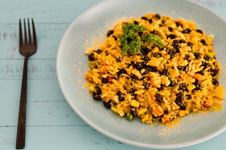healthy plant-based recipes, vegan mexican rice with bans and mixed veggies