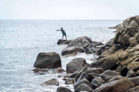 LAMALERA, NUSA TENGGARA, INDONESIA - DEC 13, 2018: The local fishing near the shore at Lamalera Indonesia Publikacyjne