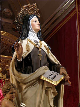 carmelite nun: A statue of Saint Teresa of Avila in Cospicua, Malta