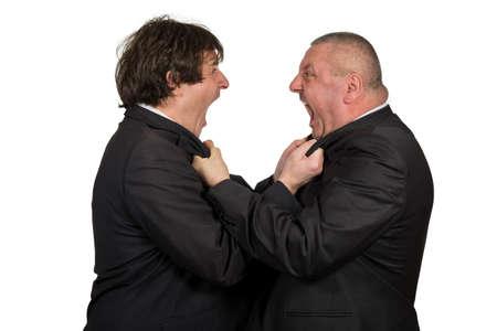 jefe enojado: Dos colegas de negocios de ira durante una discusión, aisladas sobre fondo blanco.