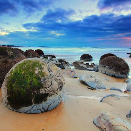 natural phenomena: Cloudy Sunrise at Moeraki Boulders, New Zealand