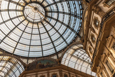 Famous Galleria Vittorio Emanuele II in a beautiful summer day in Milan, Italy, Lombardia 新闻类图片