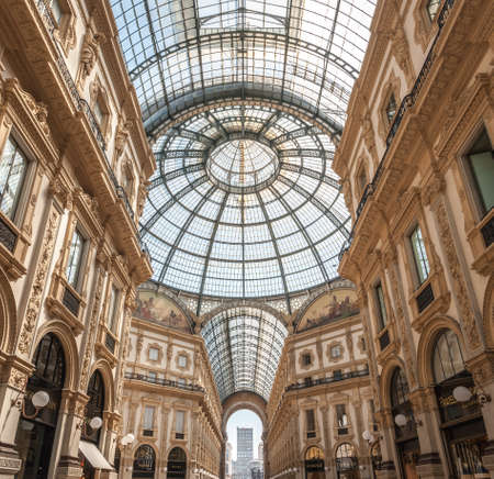 Milan, Italy, June, 8, 2019 - Famous Galleria Vittorio Emanuele II in a beautiful summer day in Milan, Italy, Lombardia 新闻类图片