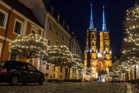 View on The Cathedral of St. John the Baptist in Wrocaw at night. Poland 版權商用圖片 - 131755659
