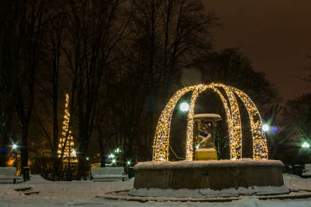 Festive illuminations in Tallinn city park in winter. Estonia 版權商用圖片