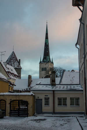 View of the church of st. Olaf on a winter morning in Tallinn. Estonia 版權商用圖片