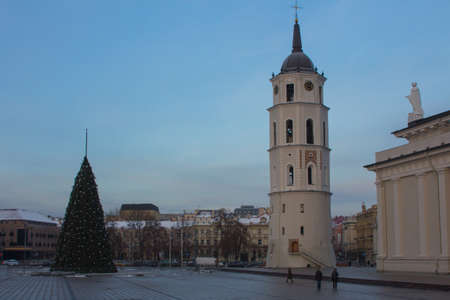Belltower of the Cathedral Basilica of St Stanislaus and St Ladislaus of Vilnius at winter. Lithuania 版權商用圖片