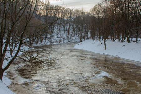 View of the river Vilnia in the park in Vilnius in winter. Lithuania 版權商用圖片