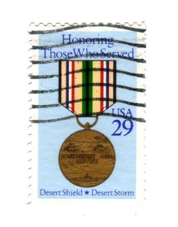 desert storm: Sello de correos de Estados Unidos 29 centavos - presencia Those Who Served - escudo del desierto - tormenta del desierto  Foto de archivo