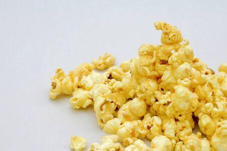 buttered: pop corn buttered