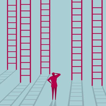 Verwirrter Geschäftsmann, der vor einer Reihe von Leitern steht. Auf blauem Hintergrund isoliert.
