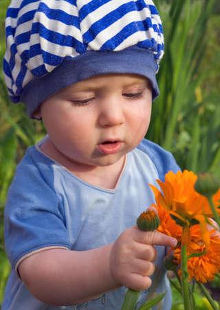 cognicion: flowerses estudios ni�o, ni�o, la naturaleza, la cognici�n del mundo