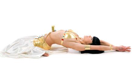 bailarinas arabes: bailar�n de Egipto con una espada de solated sobre un fondo blanco