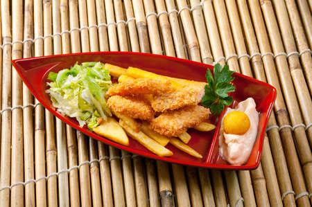 cuadro de comida rápida con pollo
