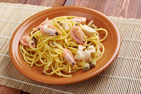 homestyle: Bucatini - plate pasta with seafood