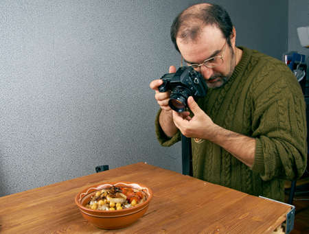 photo shooting  food. photographer working in the studio photo