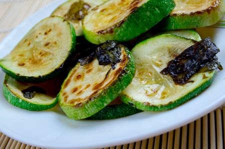 con: Zucchini con Salvia