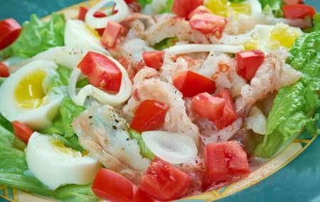 bacalao: Ensalada de bacalao - salted cod salad.Traditional Catalan salad Stock Photo