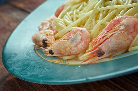 yegua: Spaghetti ai frutti di mare - espaguetis pasta italiana con mariscos Foto de archivo