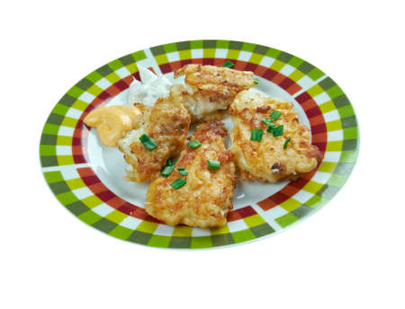 bagre: Cajun Siluro con salsa tártara