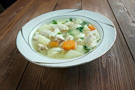 sopa de pollo: Pollo waterzooi - plato de estofado belga, originario de Flandes.