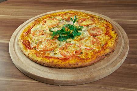 olio: Pizza with tomatoes - Pizza aglio, olio e pomodoro Stock Photo