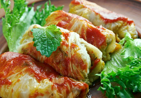 the cabbage: kelem dolmasi - Stuffed cabbage leaves.