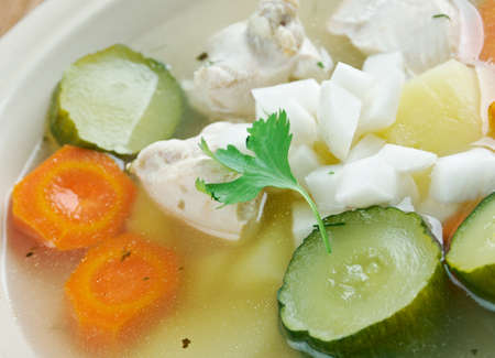 sopa: Caldo de pollo -  Latin-American chicken soup .