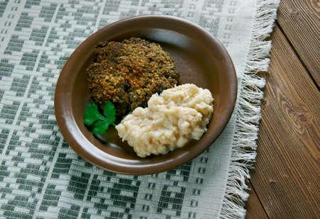 moldovan: Fasolica - mash beans  and pork chop. Moldovan cuisine