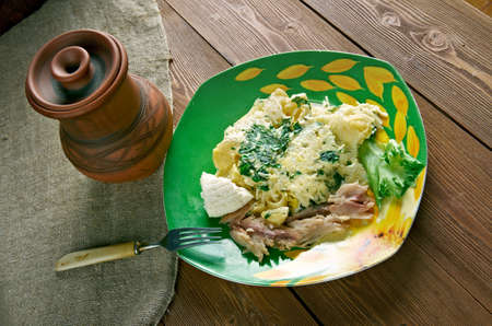 queso cabra: Granja italiana breakfast.baked pasta, queso de cabra y caballa ahumada