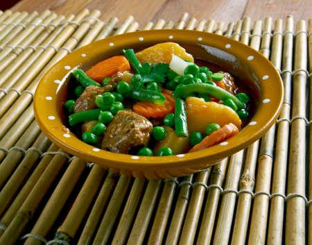 Cazuela de cordero - plato de carne de Perú. Foto de archivo - 51150968